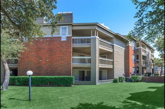 Bristol Square Apartments Review - 2749776 | Dallas, TX ...