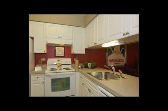 Avalon Lakeside - 53 Reviews | Wheaton, IL Apartments for Rent