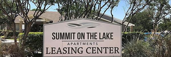Summit On The Lake Apartments
