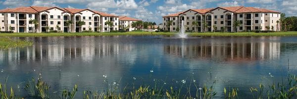 Solle Davie Apartments