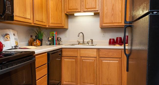 Village Royale Apartments - 41 Reviews | Saint Louis, MO ...
