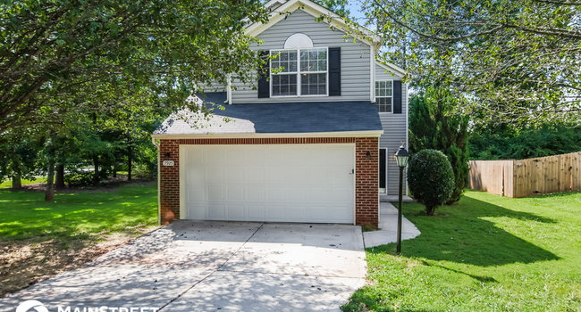 Image of 7925 Bristle Lane in Charlotte, NC