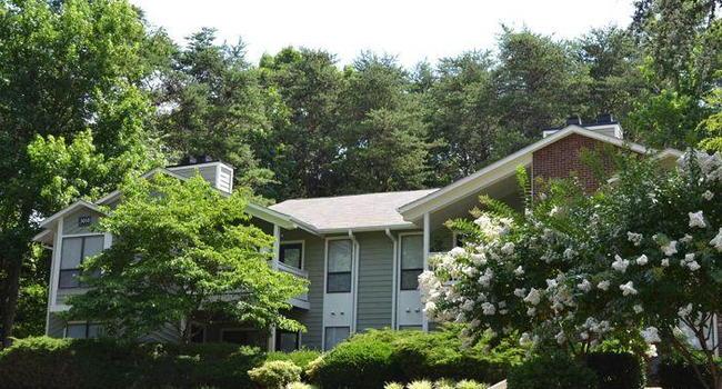 Woodland Park 35 Reviews Greensboro Nc Apartments For Rent Apartmentratings C
