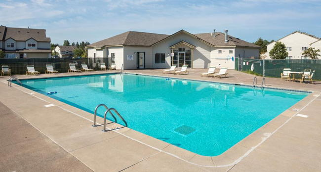 Deerfield Townhomes 42 Reviews Hermantown Mn Apartments For