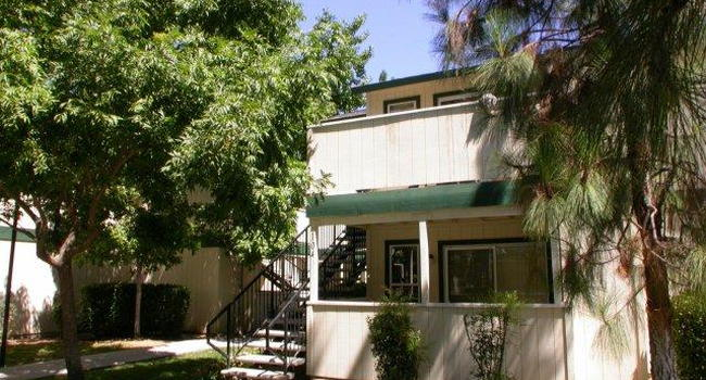 Sequoia Knolls | Fresno, CA Apartments for Rent | ApartmentRatings©