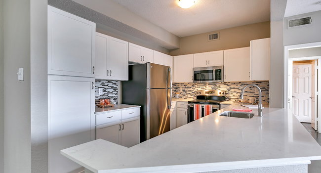 Alesio Urban Center 575 Reviews Irving Tx Apartments For Rent Apartmentratings