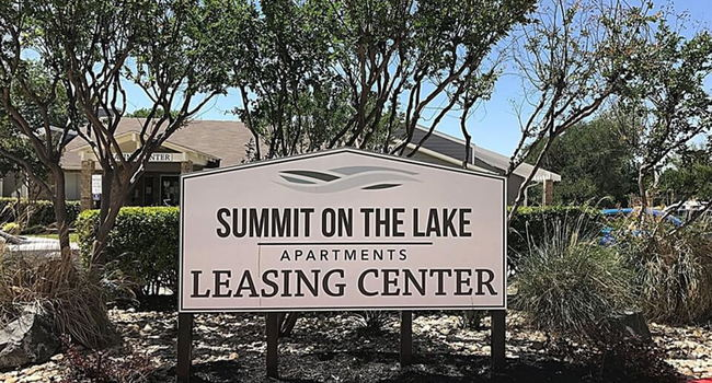 Welcome to Summit on the Lake Apartments!
