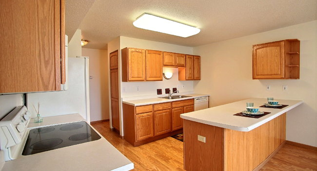 Times Square Townhomes | 2 Bedroom | Kitchen