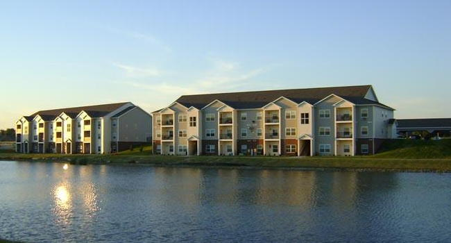 Windsor West Apartments 5 Reviews Champaign Il Apartments For Rent Apartmentratings C