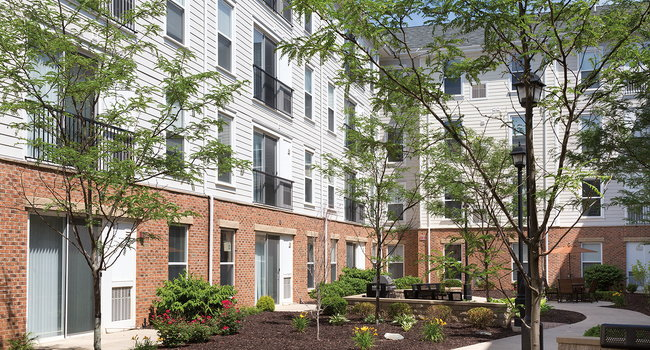 The Courtyards - 77 Reviews   Ann Arbor, MI Apartments for ...