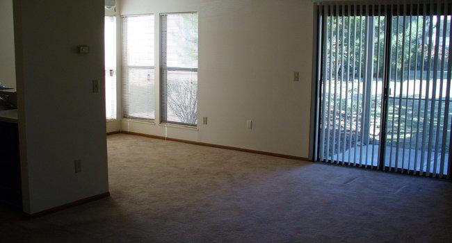 Highland Park Luxury Apartments - 34 Reviews | Reynoldsburg