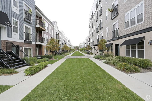 Manager Uploaded Photo Of Ravenswood Terrace Apartments In Chicago Il