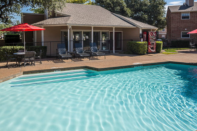 Creekside Village 245 Reviews Plano Tx Apartments For