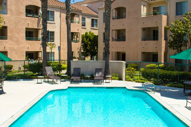 Heritage Pointe Apartments 4 Reviews Redondo Beach Ca